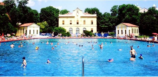 Agosto 2015 in piscina a milano - Piscina argelati milano ...